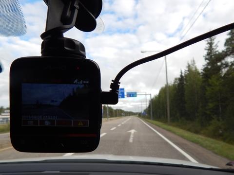 Mio MiVue 388 - kamera do auta s GPS
